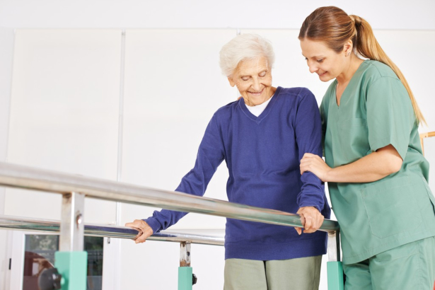 How Physical Therapy Helps Seniors Live a Quality Life